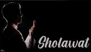 Ilustrasi Membaca Sholawat Nabi